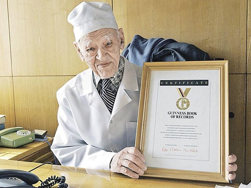8 заповедей профессора Углова, благодаря которым он прожил 104 года